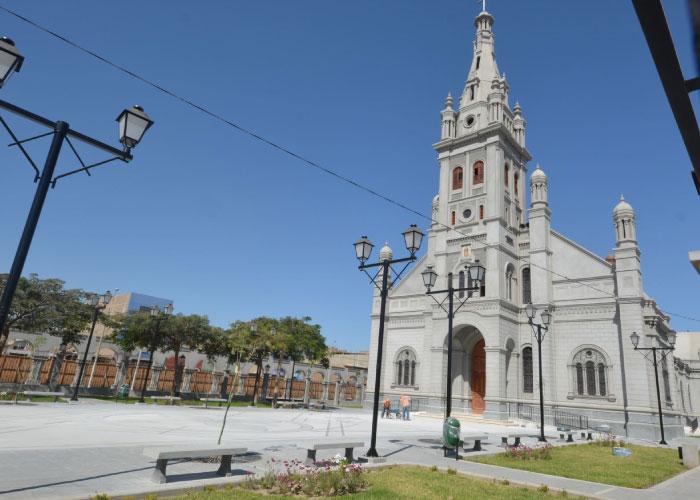 Imagen por Perú construye